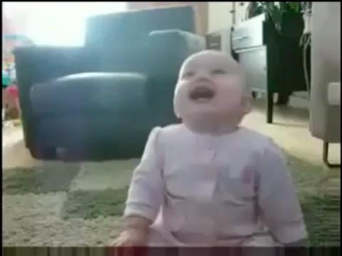 فيديو هتمووت من الضحك لما تشوف الطفل ده