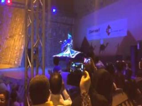فيديو عرض رائع للتنورة فى دبي